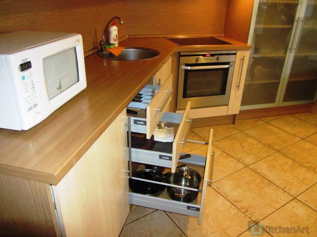 1387783525 img 5384 1024x768 - Угловые кухни на заказ