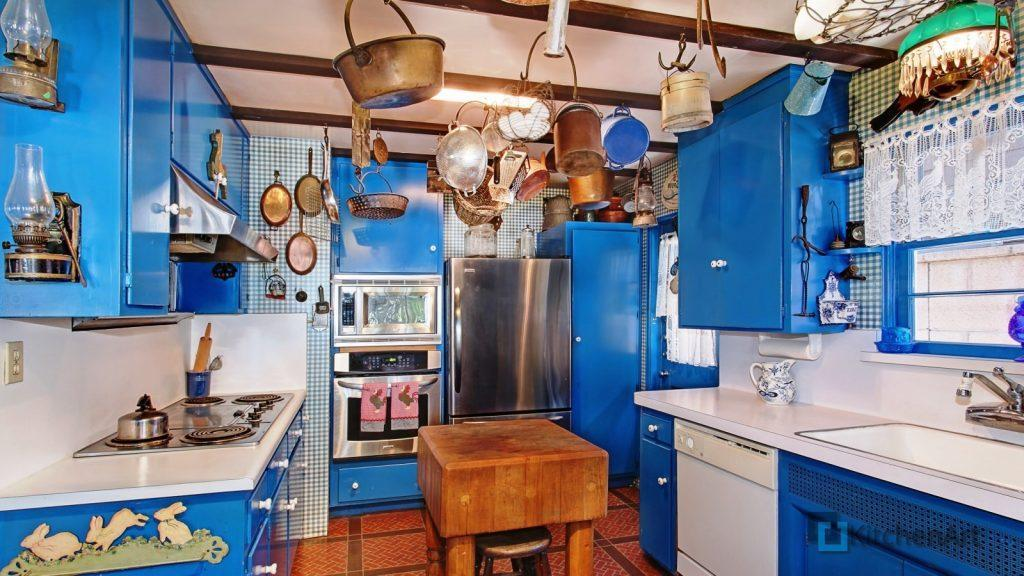 interer dizayn kuhnya 1024x576 - Синяя кухня на заказ