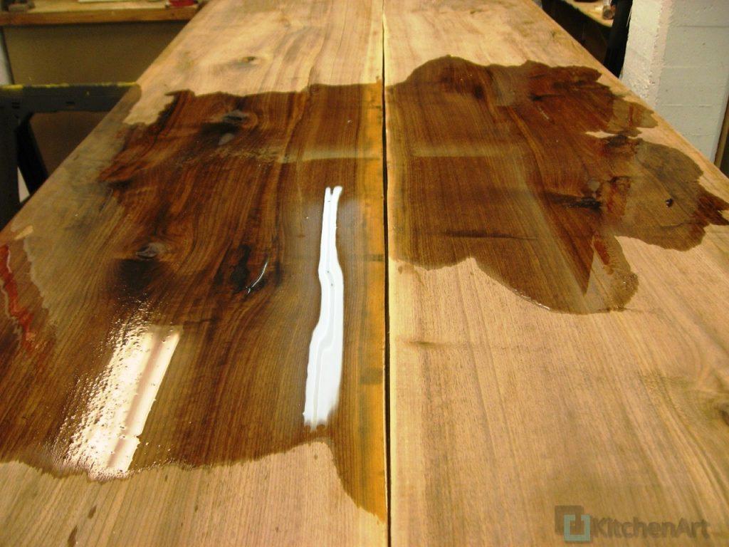 English Walnut Finish Closeup 1024x768 - Столешница из дерева под заказ