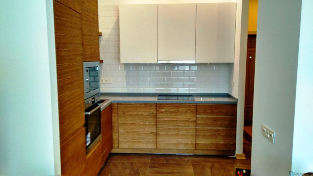 китченарт60 1024x576 - Шпонированная кухня на заказ