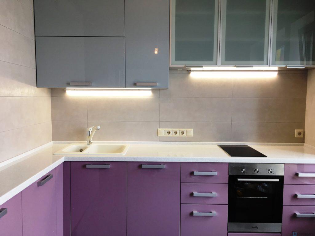 китченарт69 1024x768 - Фиолетовая кухня на заказ