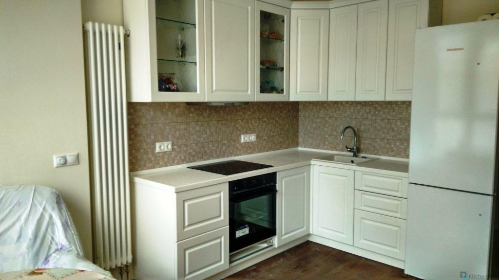 китченарт80 1024x576 - Белая кухня на заказ